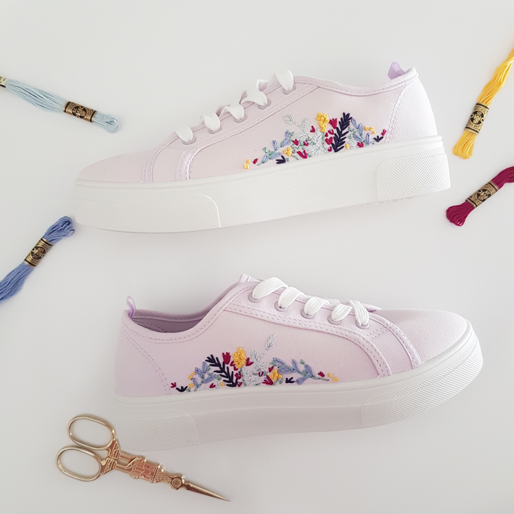 Spring Floral Embroidery Shoes + free