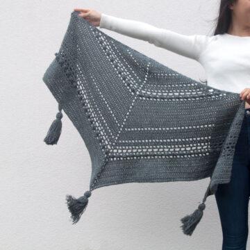 fall crochet wrap shawl scarf bobbles chunky tassels free pattern