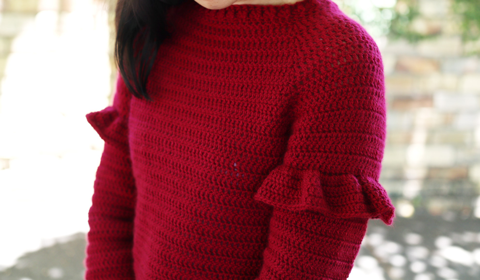 crochet ruffles holiday craft free pattern red yarn
