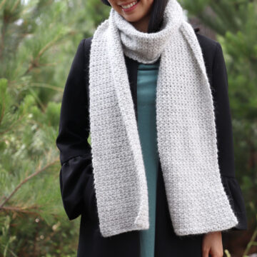light grey crochet scarf soft fluffy yarn