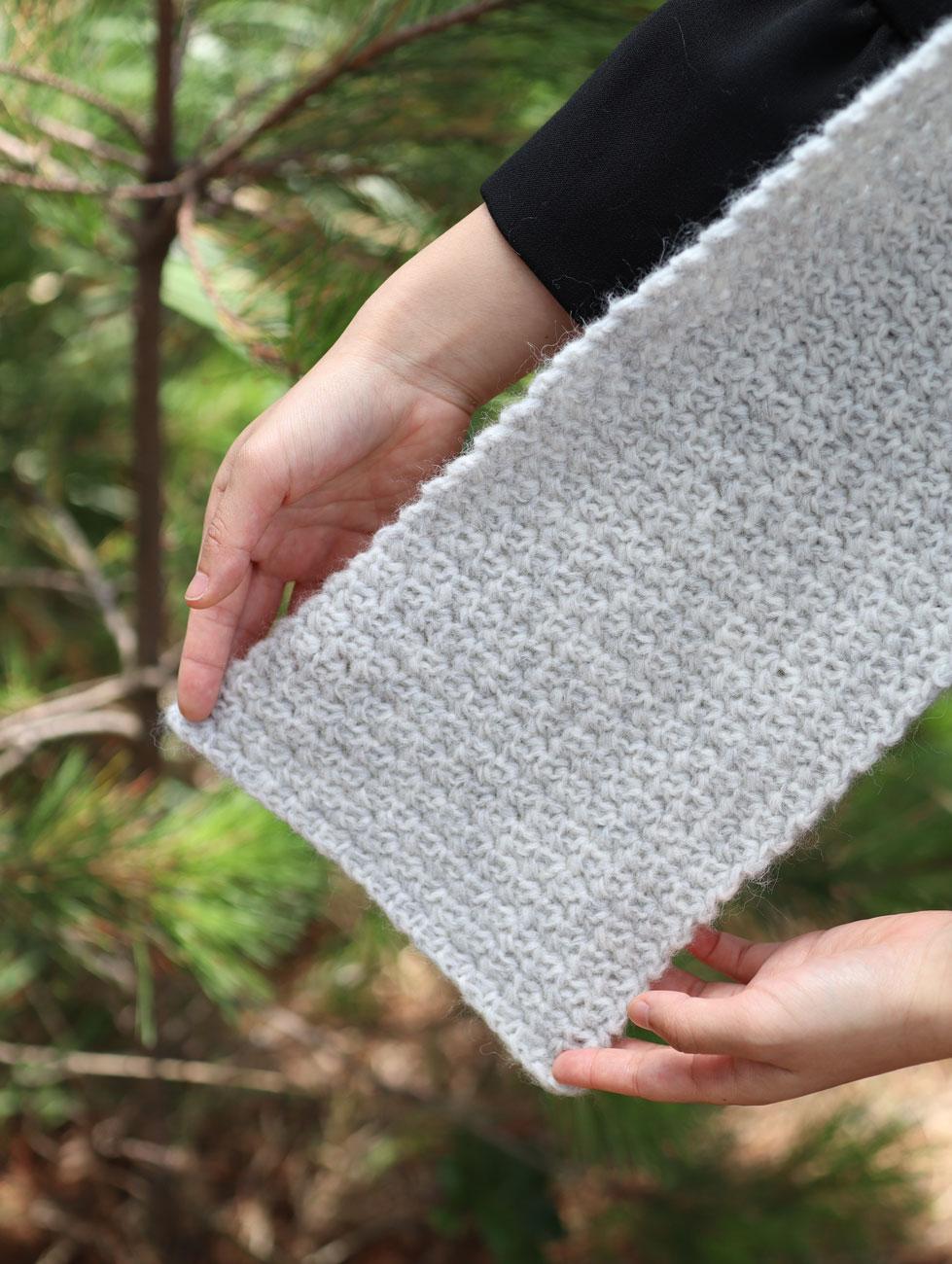 close up of single crochet stitches free scarf pattern