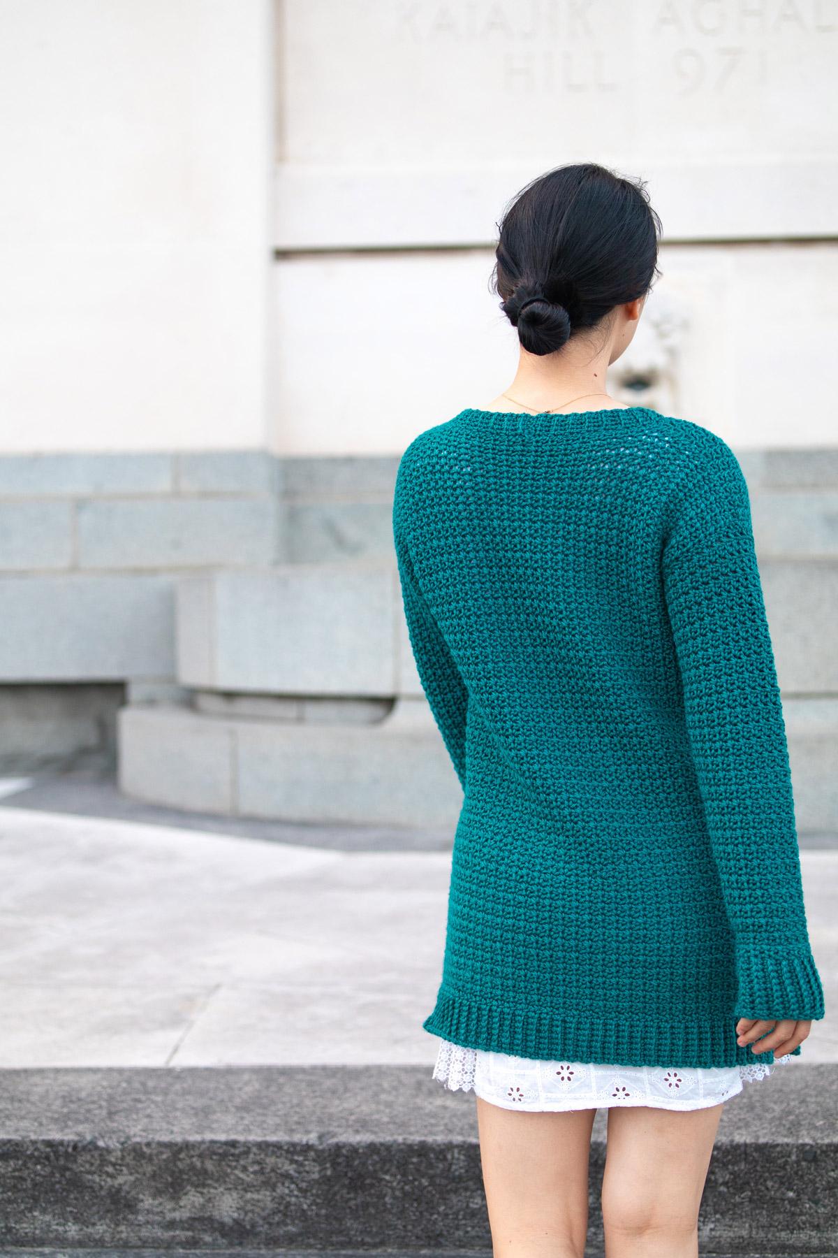long lounge sweater back view free crochet pattern