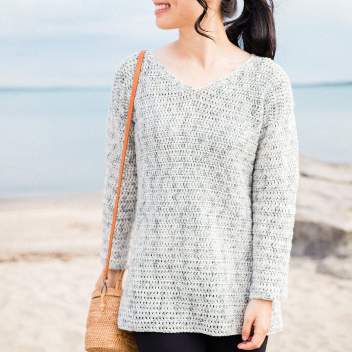 light grey beach crochet sweater with v neck free pattern