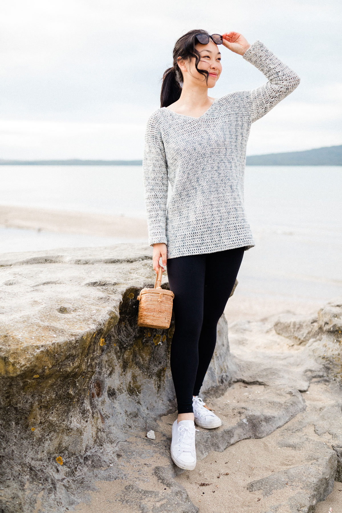 summer crochet sweater with sea and beach background free pattern