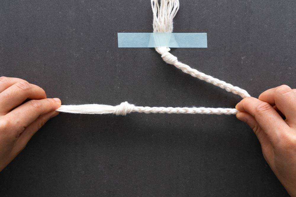 pull knot at end of braided rope tight