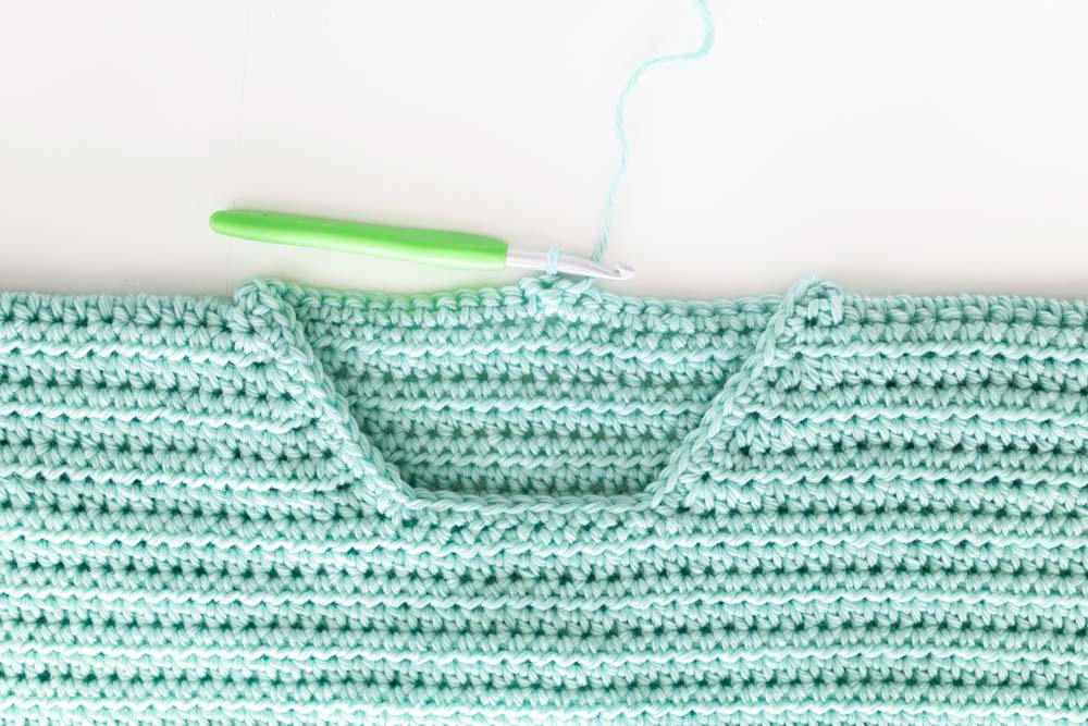 single crochet edge around crochet jumper neckline