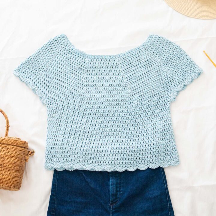 baby blue crochet tee with scallop stitch edging