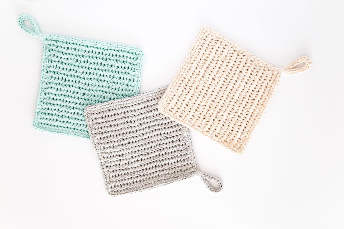 herringbone single crochet hot pads with chain loop