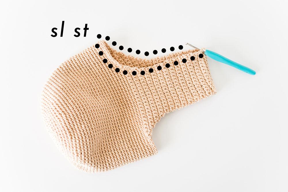 slip stitches along handle edge of crochet bag