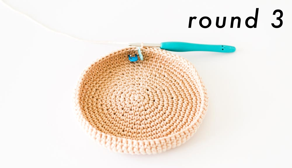 round 3 of bag sides of crochet yarn bag