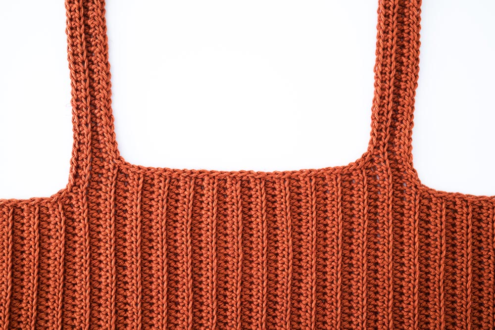 close up of ribbed square neck crochet cropped top singlet with slip stitch edging