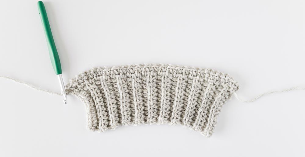 row 2 of moss stitch crochet sleeve